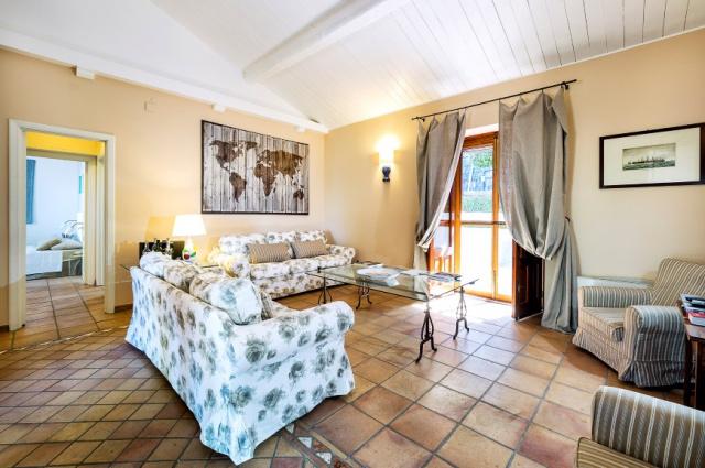Sicilie Acireale Villa Zee Zwembad Buitenkeuken 14