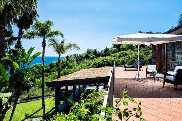 Sicilie Acireale Villa Zee Zwembad Buitenkeuken 5
