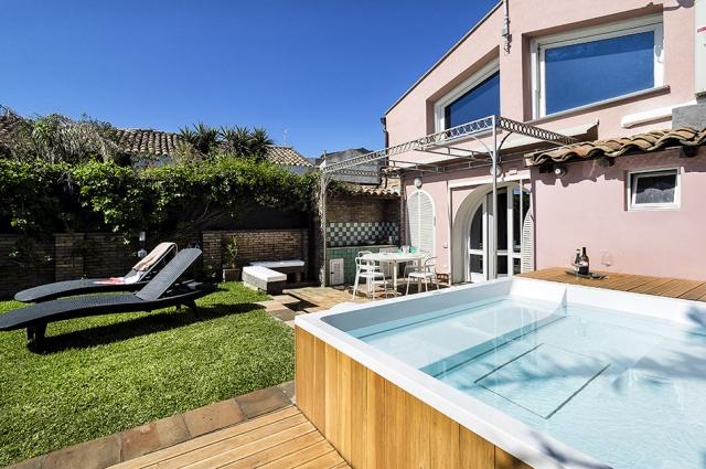 Sicilie Catania Vakantie Villa Met Jacuzzi Direct Aan Zee 8