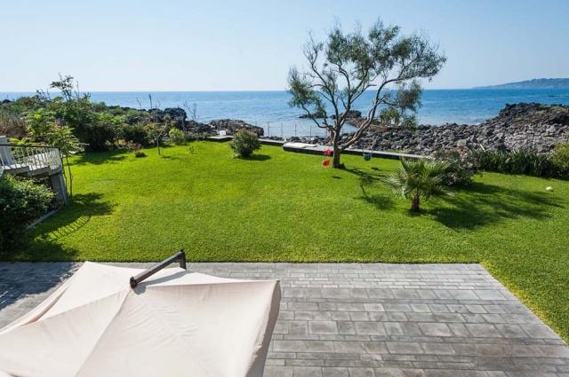 Sicilie Vakantieappartementen Met Zwembad Grote Tuin Direct Aan Zee 19