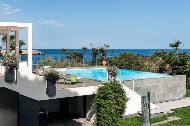 Sicilie Vakantieappartementen Met Zwembad Grote Tuin Direct Aan Zee 20