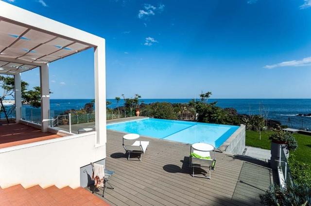 Sicilie Vakantieappartementen Met Zwembad Grote Tuin Direct Aan Zee 21