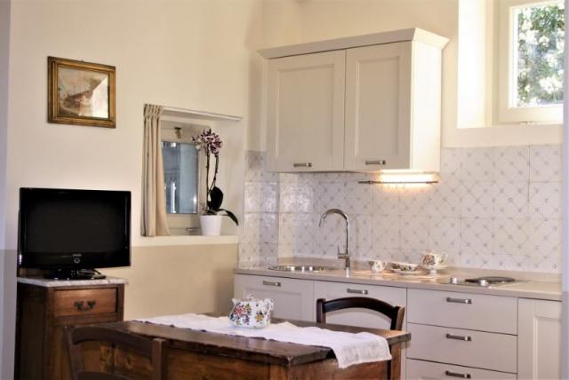 Statig Landhuis Met Appartementen Vlakbij Zee Pesaro 24a