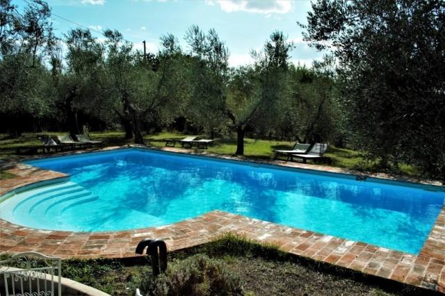 Statig Landhuis Met Appartementen Vlakbij Zee Pesaro 58