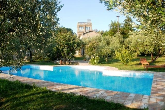 Statig Landhuis Met Appartementen Vlakbij Zee Pesaro 59