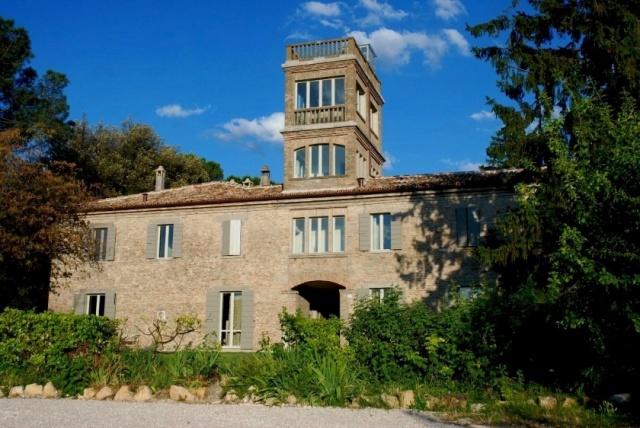 Statig Landhuis Met Appartementen Vlakbij Zee Pesaro 73