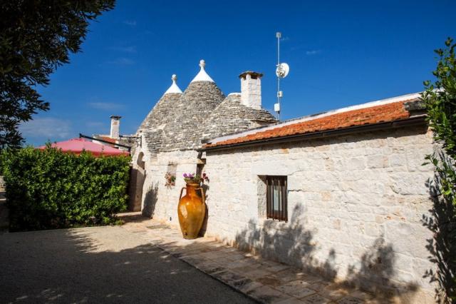 Trulli Dorp Bij Alberobello In Puglia 34a
