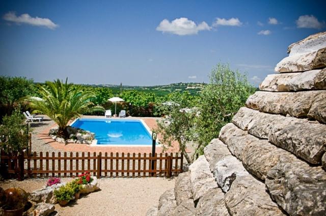 Trullo Op Klein Complex Met Zwembad Puglia 13