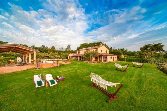 Villa Met Zeezicht Le Marche 21