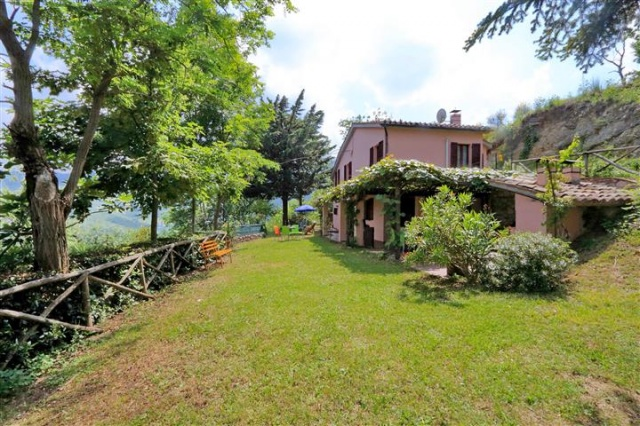 Villa Zwembad Sarnano 11