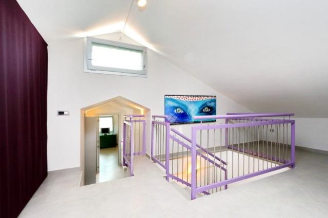 Villa Zwembad Airco Cingoli 14a