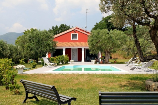 Villa Zwembad Airco Cingoli 2