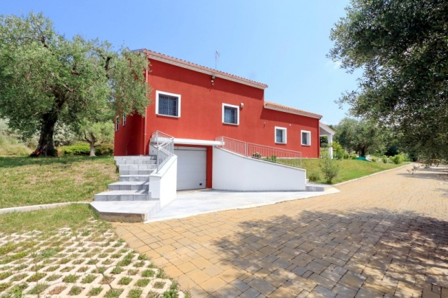 Villa Zwembad Airco Cingoli 8