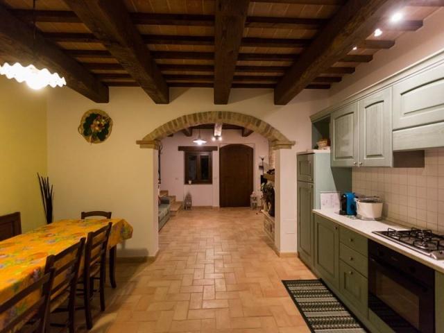 Villa Met Zwembad Voor 11p In Montelparo Le Marche 7a