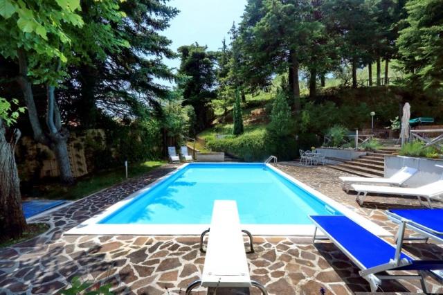 Vrijstaand Vakantiehuis Zwembad Le Marche 21