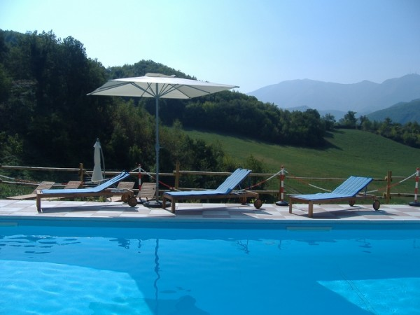 Zwembad Agriturismo Le Marche 13