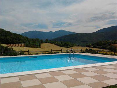 Zwembad Agriturismo Le Marche 13b