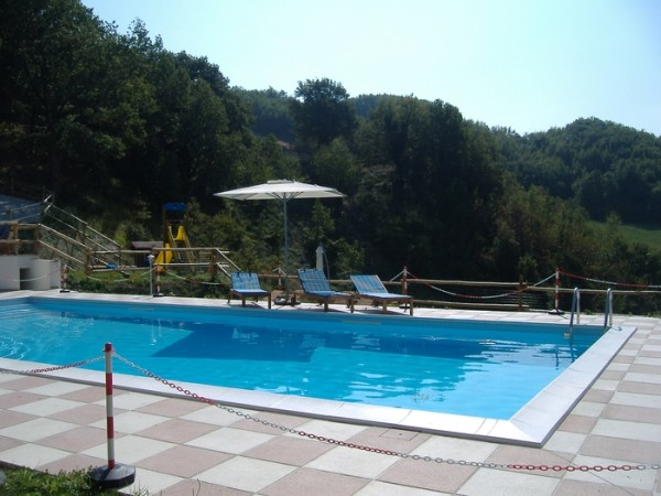 Zwembad Agriturismo Le Marche 14a