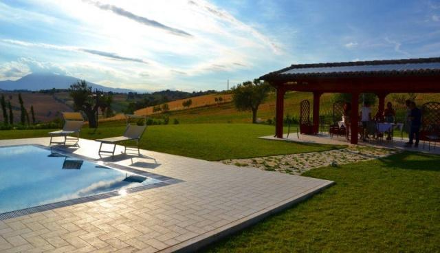 Abruzzo Residence Met Appartementen Restaurant En Zwembad 16