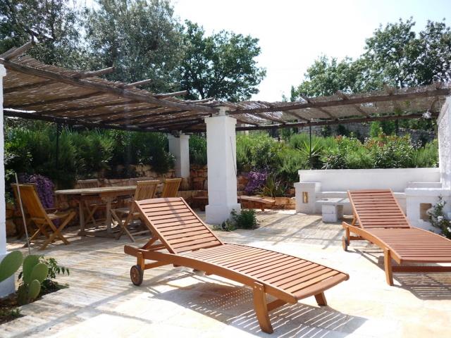 Complex Met Trullo En Lamie En Gedeeld Zwembad Itria Vallei Zuid Italie Puglia 14