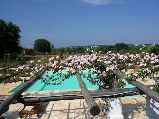 Complex Met Trullo En Lamie En Gedeeld Zwembad Itria Vallei Zuid Italie Puglia 5