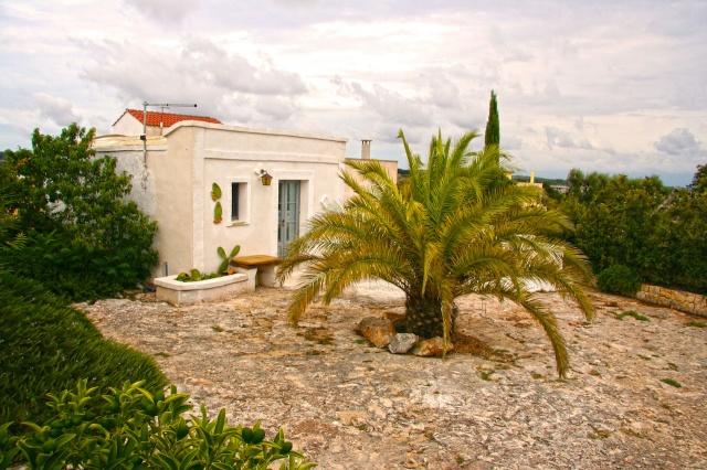 Complex Met Trullo En Lamie En Gedeeld Zwembad Itria Vallei Zuid Italie Puglia 7b