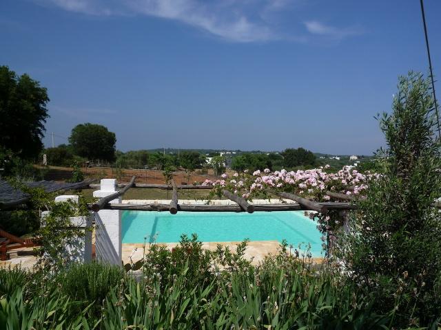 Complex Met Trullo En Lamie En Gedeeld Zwembad Itria Vallei Zuid Italie Puglia 9
