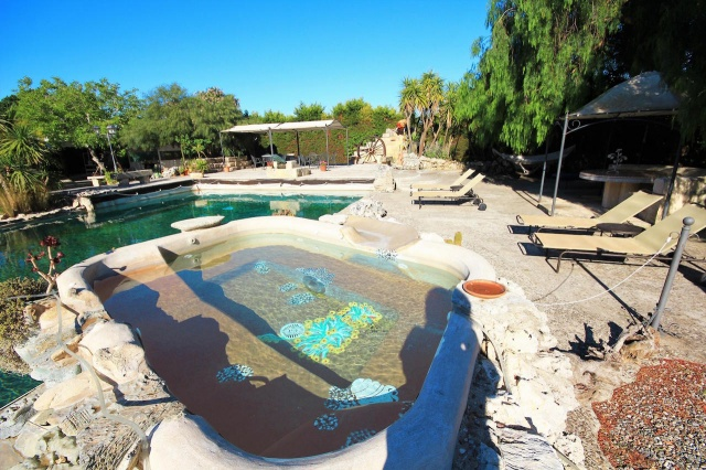 Kleinschalig Complex Met Zwembad En Jacuzzi Lecce 3