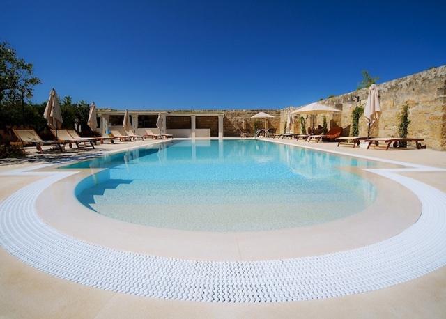Luxe App Met  Gedeeld Zwembad Aan De Kust Zuid Puglia 11