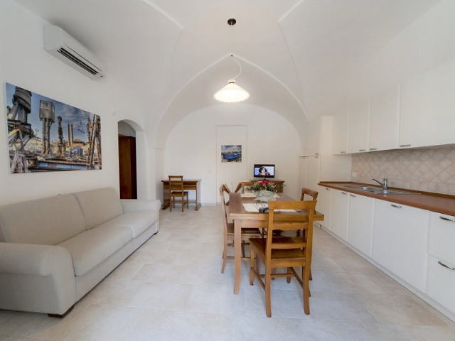 Luxe App Met  Gedeeld Zwembad Aan De Kust Zuid Puglia 19