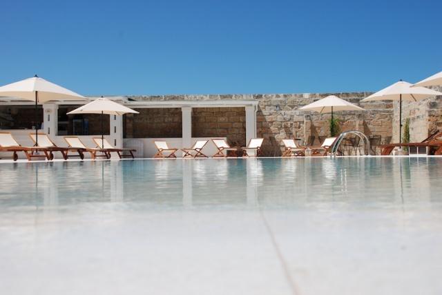 Luxe App Met  Gedeeld Zwembad Aan De Kust Zuid Puglia 8