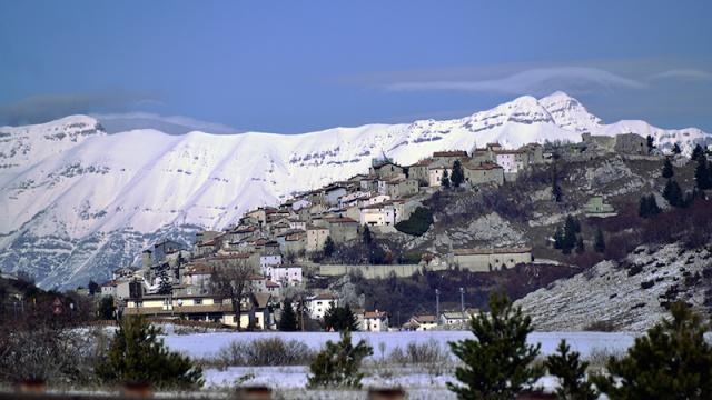 Luxe Woning Met Ligbad En Open Haard Abruzzo 1