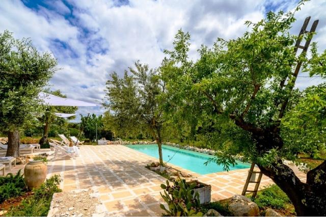 Puglia Conversano Luxe Masseria Met Zwembad 1