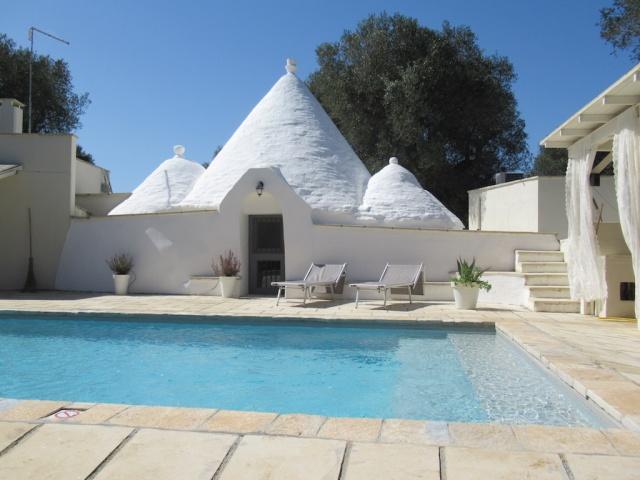Puglia Vakanties Uniek Trullo Complex Met Twee Zwembaden 3