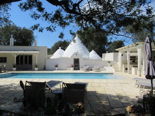 Puglia Vakanties Uniek Trullo Complex Met Twee Zwembaden 9