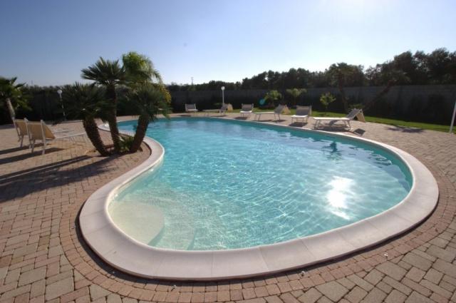 Pv2600 Gallipoli Puglia 12p Villa Met Zwembad  8042