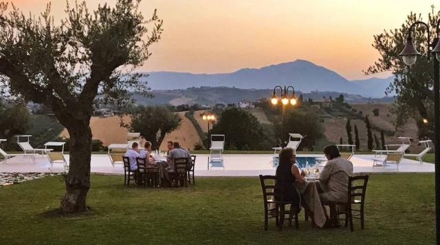 Residence Abruzzo Met Appartementen Restaurant En Zwembad 17