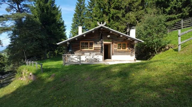 Sudtirol Vakantie Berghut Met Hotel Faciliteiten 22