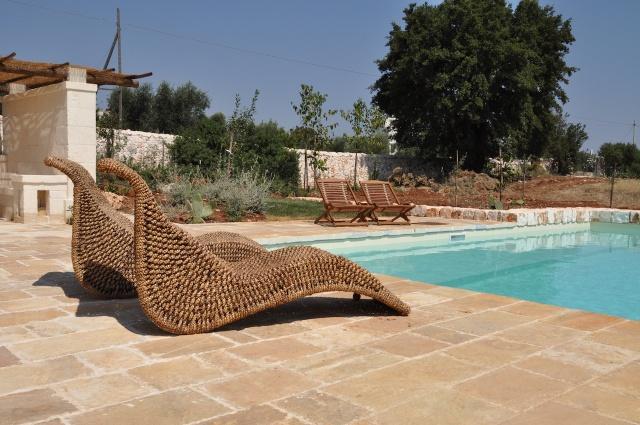 Trulli Complex Met Lamie En Gedeeld Zwembad Itria Vallei Puglia Zuid Italie 3