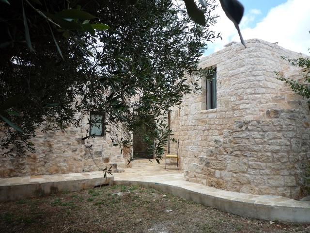 Trullo Complex Met Lamie En Gedeeld Zwembad Itria Vallei Puglia Zuid Italie 7b