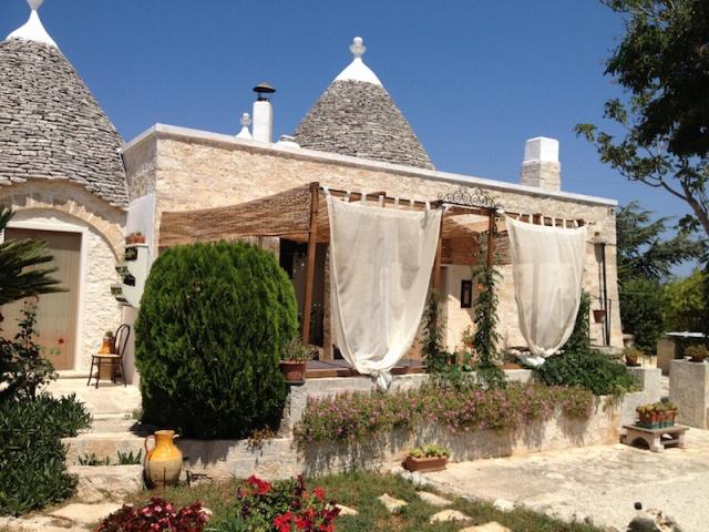 Trullo Complex Met Zwembad Jacuzzi Alberobello Puglia 4