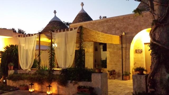 Trullo Complex Met Zwembad Jacuzzi Alberobello Puglia 7