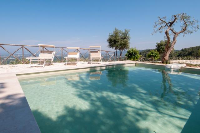 Trullo Met Zwembad Bij Fasano Puglia 3
