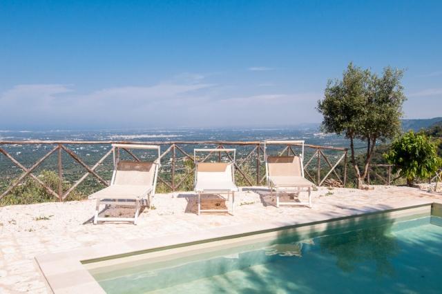 Trullo Met Zwembad Bij Fasano Puglia 4