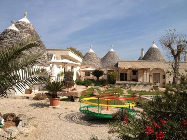 Trullo Vakantiecomplex Met Zwembad Jacuzzi Alberobello Puglia 14