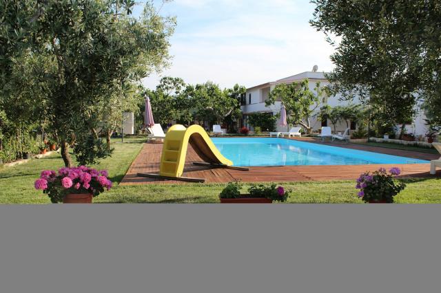 Vieste Agriturismo Met Zwembad En Manege Aan De Kust 1b