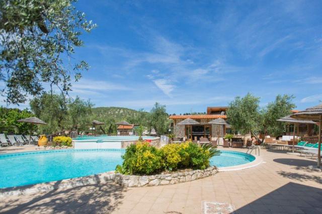 Vieste Kindvriendelijk Vakantiepark Met Zwembad Vlakbij De Kust 5