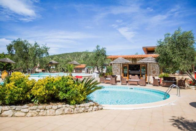 Vieste Kindvriendelijk Vakantiepark Met Zwembad Vlakbij De Kust 6