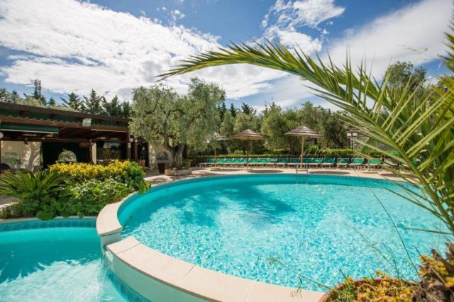 Vieste Kindvriendelijk Vakantiepark Met Zwembad Vlakbij De Kust 7