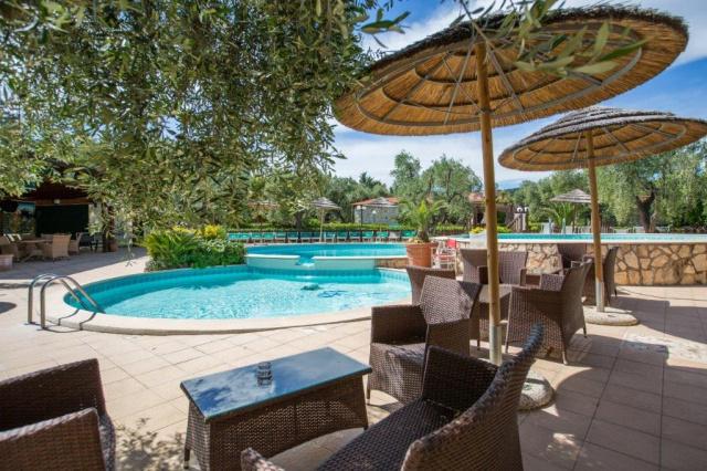 Vieste Kindvriendelijk Vakantiepark Met Zwembad Vlakbij De Kust 9